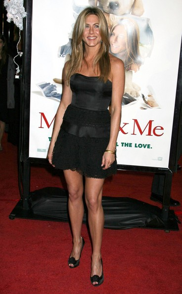 jennifer-aniston-at-marley-and-me-premiere1