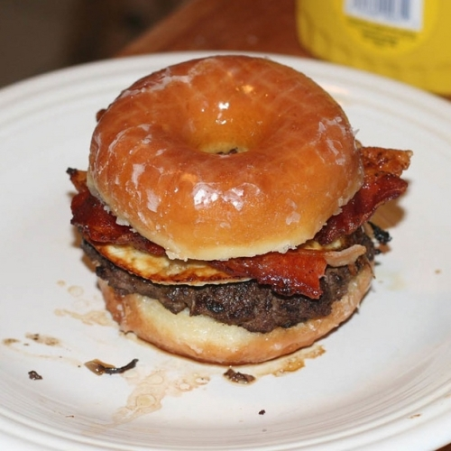 donut-cheese-bacon-burger